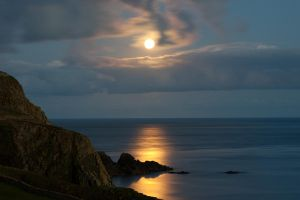 Moon over Sumburgh Head by Sagereid