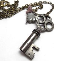 Antique Skeleton Key Necklace by sojourncuriosities