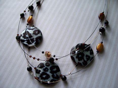 Black white and golden cheetah necklace by Meeshah