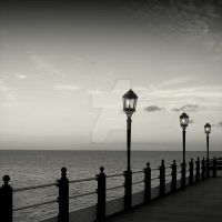 Worthing pier by lostknightkg