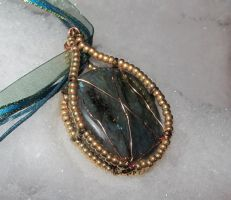 Labradorite Pendant 1 by Windthin