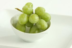 Grapes in a Bowl by froggynaan