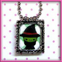 Wicked Witch Necklace by SugarAndSpiceDIY