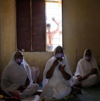 Jain nuns by JuliZib