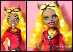 Monster High Clawdia Wolf Repaint by niamiyu