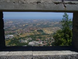 Window on the hills by abvt