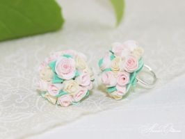 Bouquet of Roses Polymer clay, handmade by OrionaJewelry