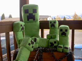 Plushie Creeper Family by OEmilyThePenguinO