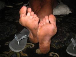 Girl's dirty feet - 1st pose by T95Master