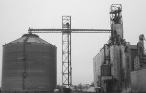 Grain Elevator by k4-pacific