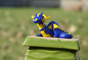 Blue and Yellow Dice Dragon by KatzeBlue