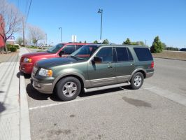 2004 Ford Expedition Eddie Bauer by TheHunteroftheUndead