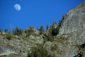 Yosemite - Moon 2 by durkad