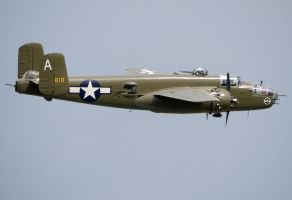 North American B-25J Flyby by shelbs2