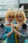 Len and Rin Cosplay by Maho-Urei