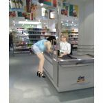 Verena paying by hesperornis