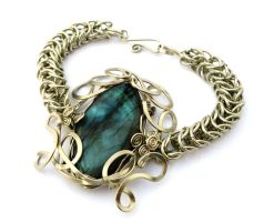 Wire Wrap Chain Box Bracelet by hyppiechic