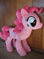 Giant Pinkie Pie by munchforlunch