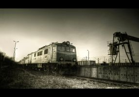 Sunset Railscape II by Beezqp