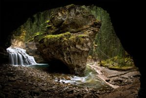 Johnston Canyon by LukeAustin