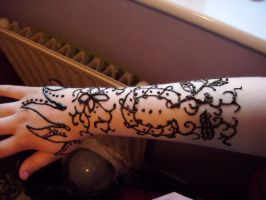 Henna Applied by Tigzzz