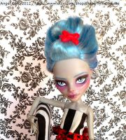 MH Repaint OAK Gothic Ghoulia Doll by ButterflyInDisguise