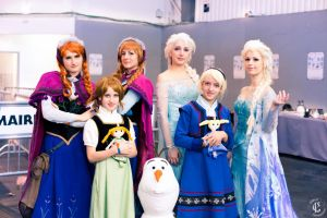 Frozen family by Hyli-chan