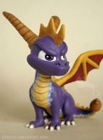 Spyro the Dragon - close up by Strecno