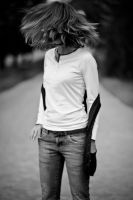 shake your hair. by niels-Isi