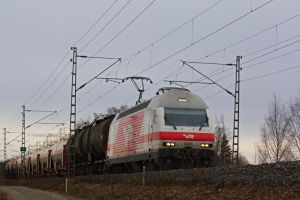 Sr2 and tank cars by werneri
