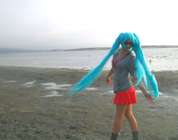 Twirl on the Beach---Hatsune Miku Cosplay by xxx-TeddyBear-xxx