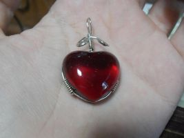 Heart pendant by Dragonfly929