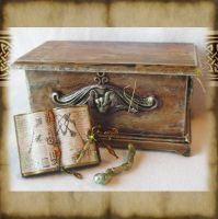 Miniature Wizard Chest by grimdeva