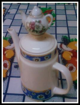 Coffee pot in coffee pot by Maleiva