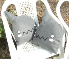 Alphonse Cushion by nii-tan