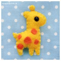 Giraffe Plushie 2.0 by littlepaperforest