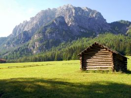 On the trail to Pederu by Sergiba