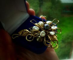 flower brooch by DARiyaKUTEPOVA