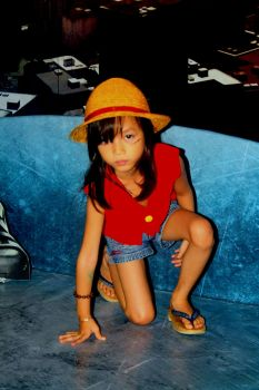 serreniethy fionah cosplaying luffy from one piece by jhedwin
