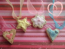 Sweet sugar cookie necklaces by ilikeshiniesfakery