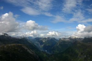 Norway - Dalsnibba by HelNiniel