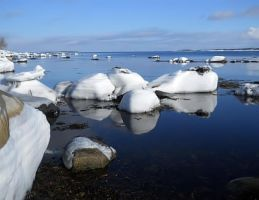 Ice over Rocks by cocobolo