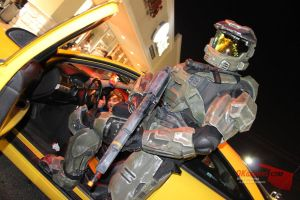 Halo 4 Midnight release by RoadNeko