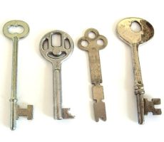keys for erick to see by sojourncuriosities