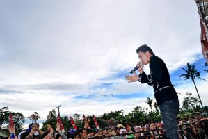 Perform and Crowd by pringga