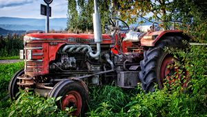 Tractor by daenuprobst