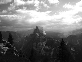 Half Dome from Glacier Point by durkad