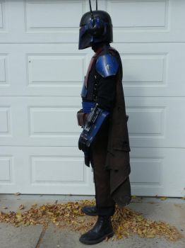 Mandalorian Mercenary side pic #2 by TheCabinetmaker