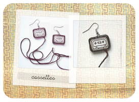 earrings cassettes. by esyfloresy