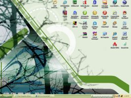 green desktop of mine.. by abh3